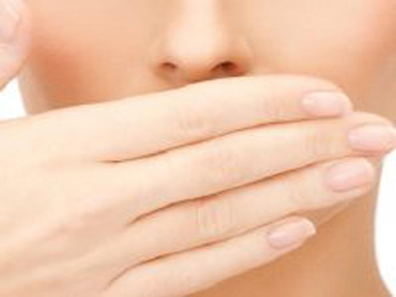 علت بوی بد دهان + درمان